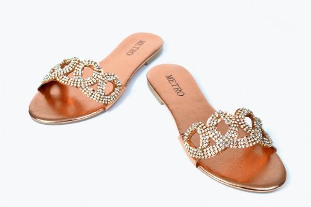 Girls-Womens-Beautiful-Fancy-Flat-Shoes-Eid-Footwear-Collection-2013-by-Metro-Shoes-1