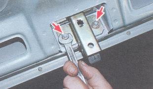 статья про Регулировка замка крышки багажника ВАЗ 2106