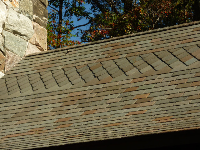 P1120930-2012-10-17-Barbara-Johnson-Prickett-Chapel-Westminster-School-Atlanta-slate-roof-detail