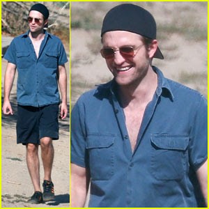 Robert Pattinson Spends Downtime with FKA Twigs' Dog