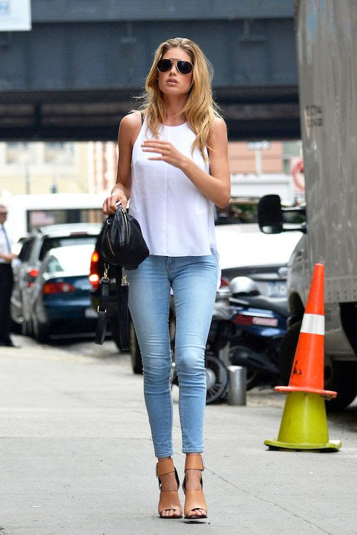 Le Fashion Blog Model Off Duty Doutzen Kroes Sexy Summer Casual Aviator Sunglasses White Tank Top Black Satchel Cropped Light Wash Skinny Jeans Celine Sandals photo Le-Fashion-Blog-Model-Off-Duty-Doutzen-Kroes-Sexy-Summer-Casual-Aviators-Tank-Top-Black-Satchel-Skinny-Jeans-Celine-Sandals.jpg