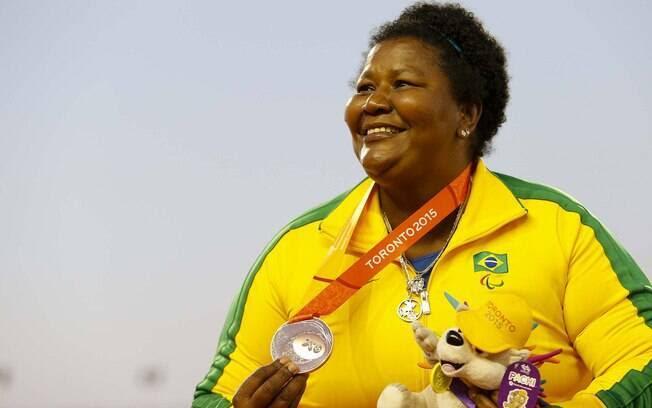 Rosinha Santos se emociona com o bronze que conquistou em Toronto