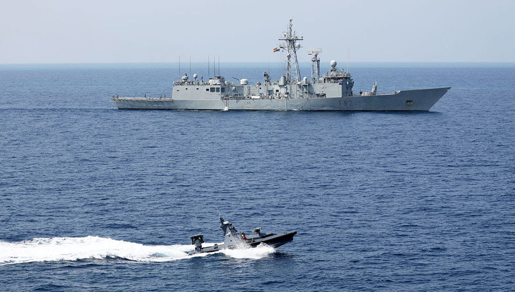 NATO and the Israeli Navy Train Offshore to Repel Swarm Attacks ile ilgili görsel sonucu