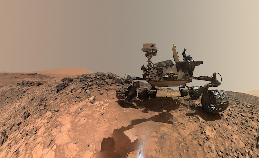 Curiosity Snaps Stunning One of a Kind Belly Selfie At Buckskin Mountain Base Drill Site