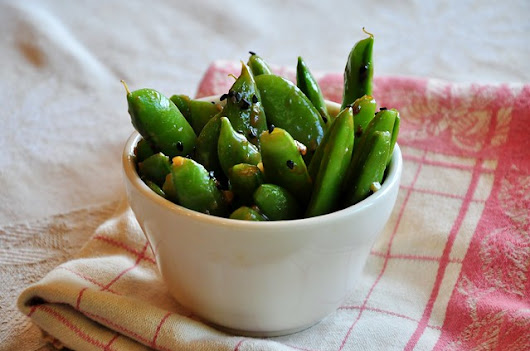what the hell _does_ a vegan eat anyway?: Glazed Sugar Snaps (from Vegan Finger Foods)
