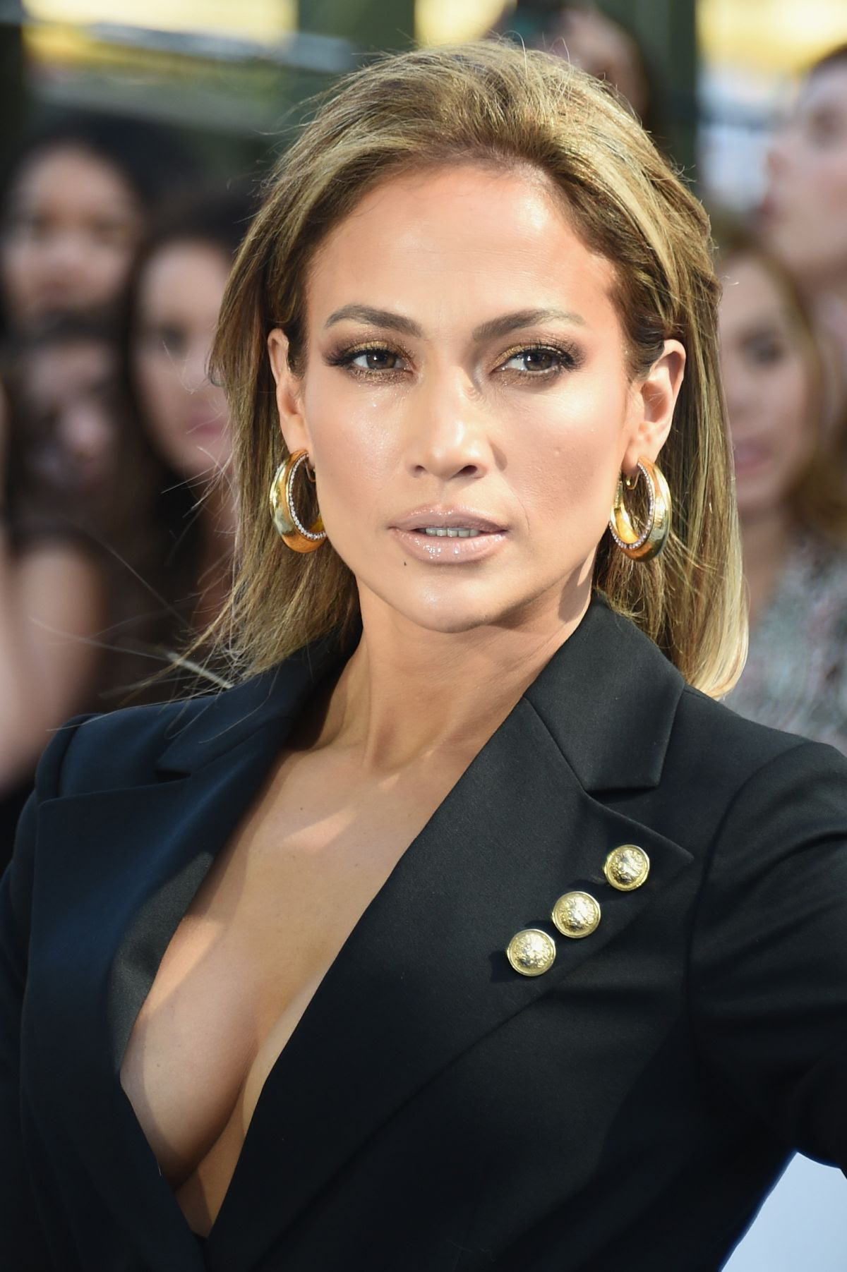 JENNIFER LOPEZ at 2015 MTV Movie Awards in Los Angeles