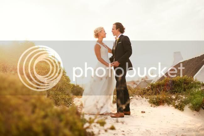 http://i892.photobucket.com/albums/ac125/lovemademedoit/welovepictures/MarkJess_133-1.jpg?t=1331718996