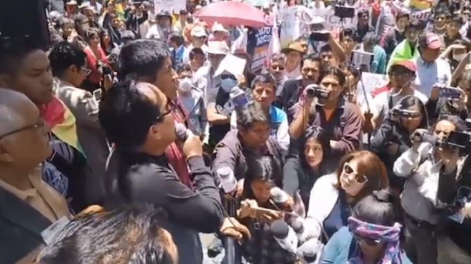 Cívicos responden a Morales: Los golpes de Estado lo organizan los militares, no el pueblo #Bolivia
