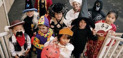 7 Trick-or-Treating Safety Tips | Reader's Digest