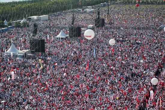 مظاهرات حاشدة ضد الرئيس التركى