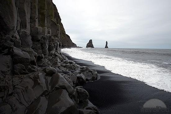 black-sand-beach-vik