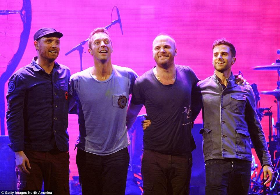 Representando: Coldplay (acima) e Take That também foram confirmados para tocar no show, que foi transmitido na BBC e exibido na BBC Radio 1