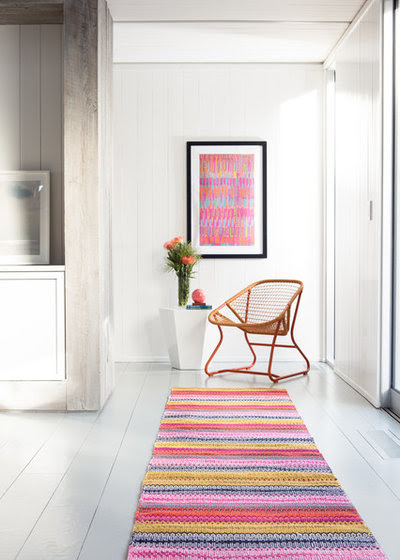 Why Your Hallway Loves a Focal Point