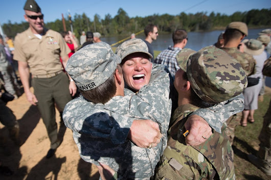 In historic decision, Pentagon chief opens all jobs in combat units to women