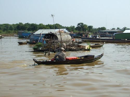 Life in Tonle Sap Lake