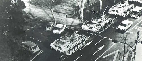 En Valencia Milans había sacado los carros de combate  a la calle, impuesto la ley marcial y decretado el toque de queda