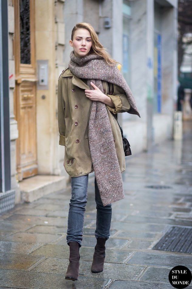 Le Fashion Blog Model Street Style Paris Sasha Luss Stella McCartney Chunky Scarf Green Trench Coat Jeans Boots Via Style Du Monde photo Le-Fashion-Blog-Model-Street-Style-Paris-Sasha-Luss-Stella-McCartney-Chunky-Scarf-Green-Trench-Coat-Jeans-Boots-Via-Style-Du-Monde.jpg
