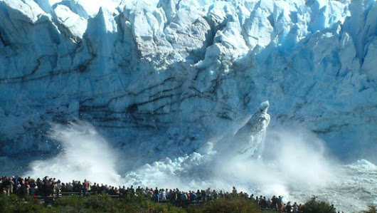 Tour in El Calafate Perito Moreno glacier and lakes value for money