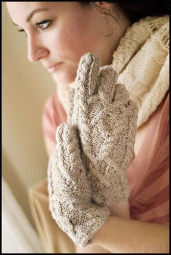 Almeara Gloves