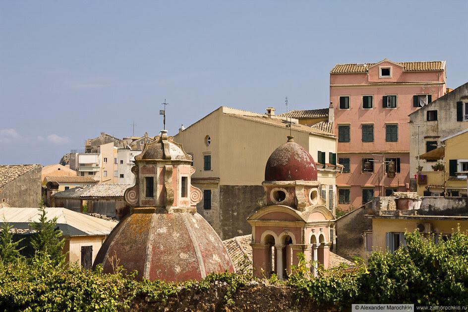 Купола церкви Девы Марии Тенедос в Керкире, о. Корфу, Греция