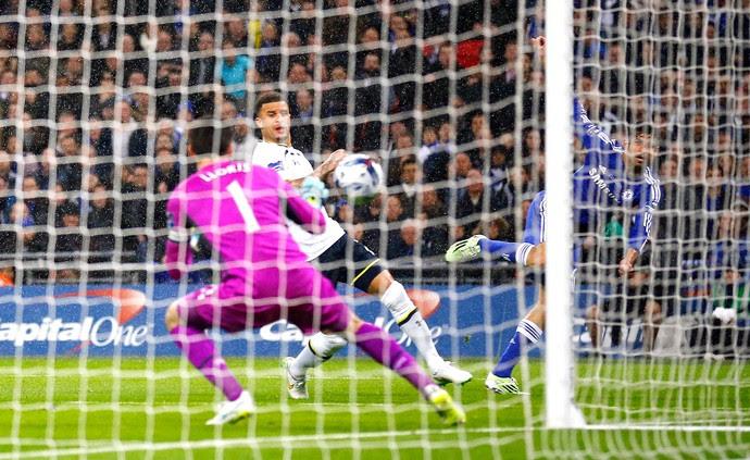 Diego Costa gol, Chelsea x Tottenham (Foto: Reuters)