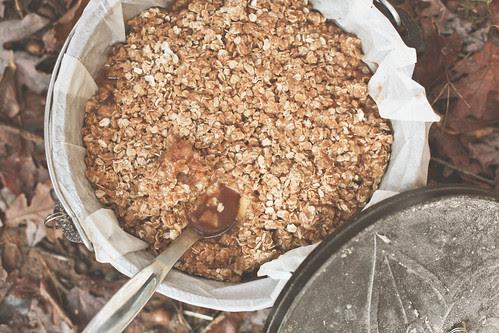 apple crisp in dutch oven