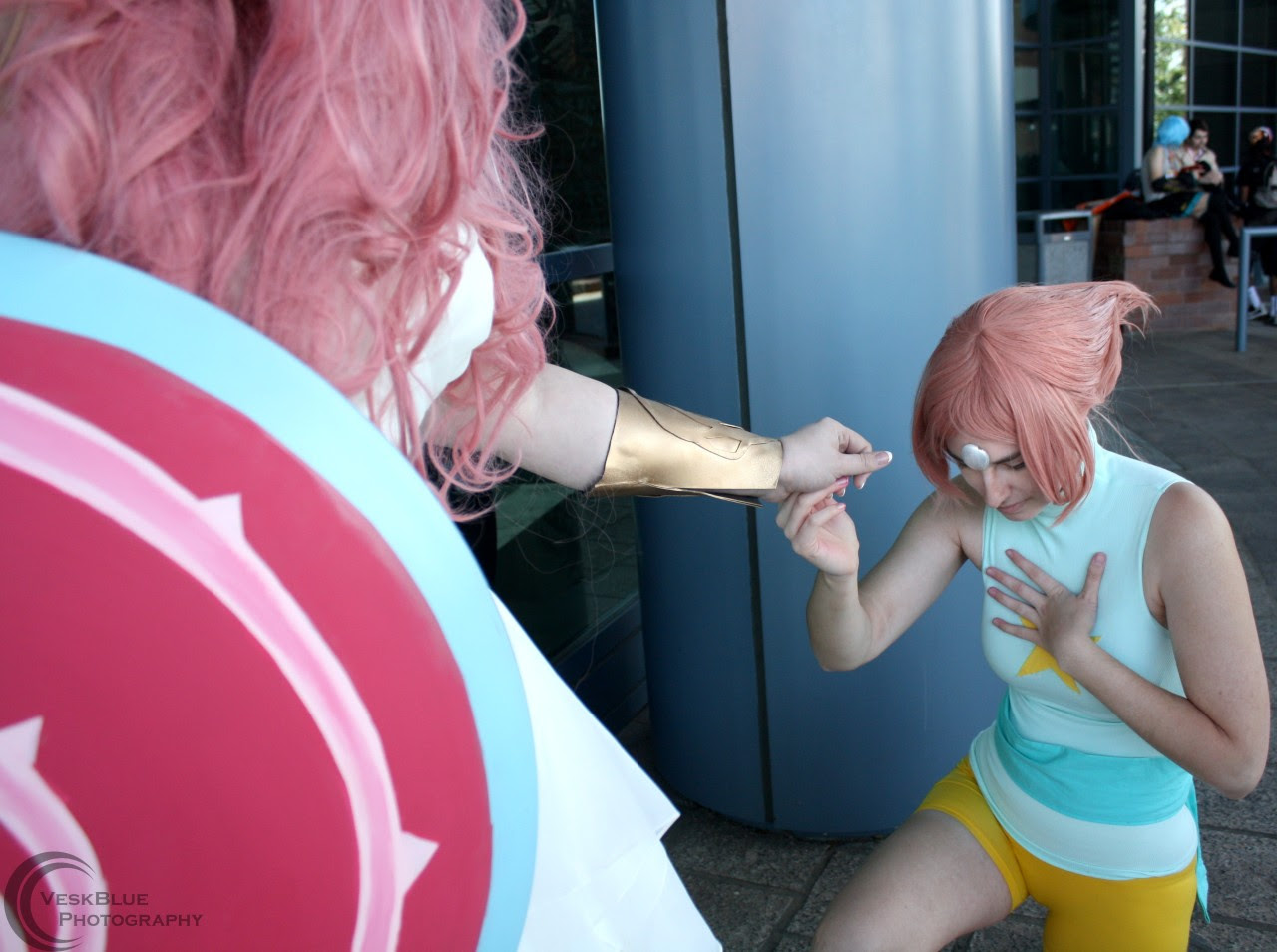 Steven Universe - AWA 2016 Pearl - Tumblr/Facebook Rose - Facebook Photographer - Tumblr/Facebook