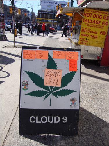 Bong sale sign