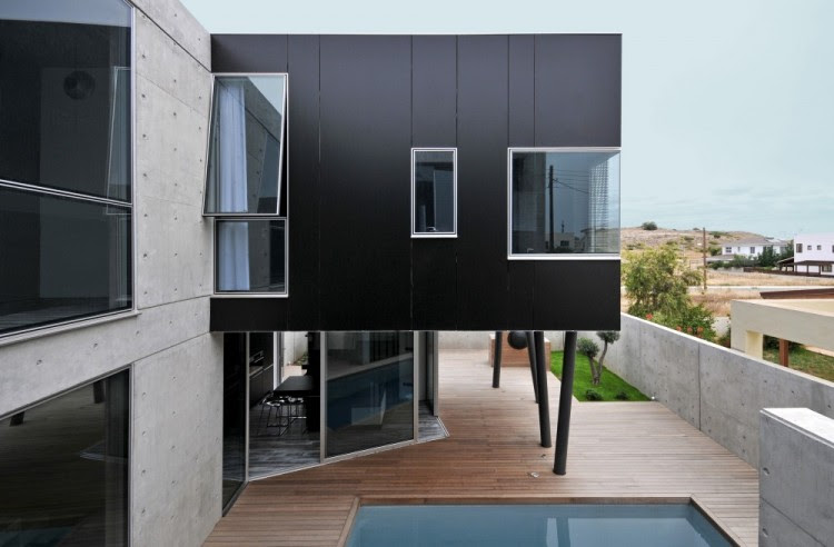 house0605 750x492 House 0605 by Simpraxis Architects