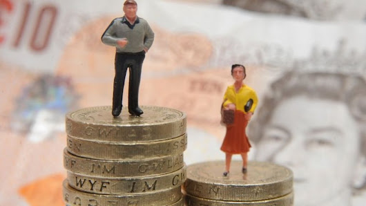 Women a 'distinct minority' among wealthiest in the UK - BBC News
