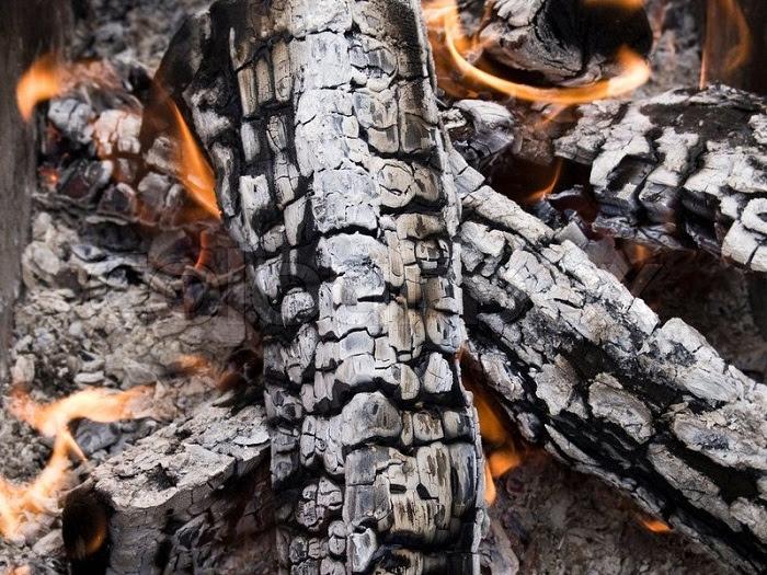 حرق الخشب