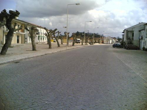 Avenida larga de Tentúgal