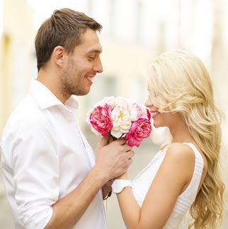 couple-with-roses-dp-for-whatsapp