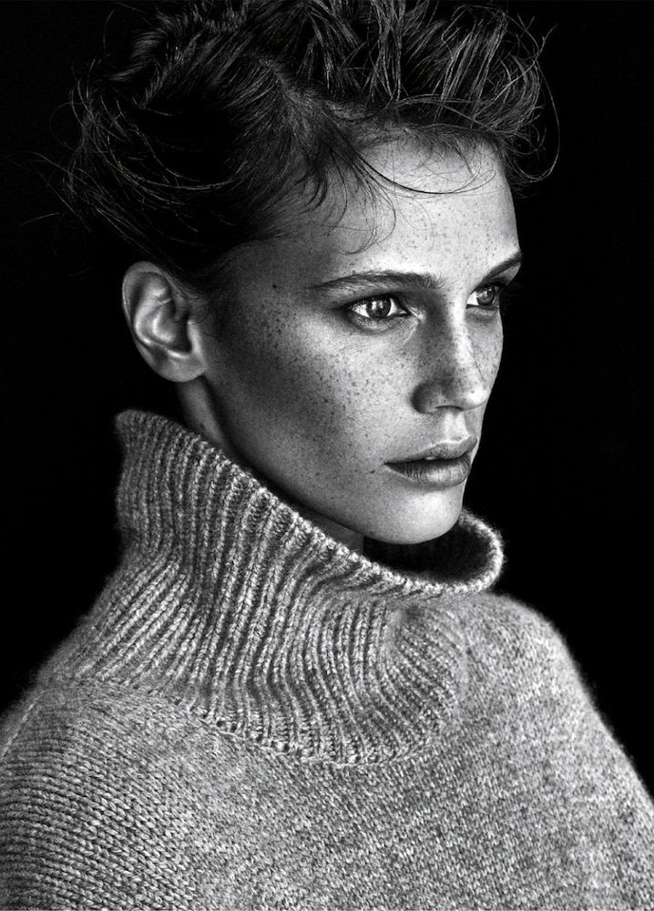 Le Fashion Blog -- Marine Vacth With Cozy Classic Fall Style -- Celine Turtleneck -- Fresh Faced French Beauty With Freckles -- Elle France -- photo Le-Fashion-Blog-Marine-Vacth-Cozy-Classic-Fall-Style-Celine-Turtleneck-French-Beauty-Fresh-Face-Freckles-Elle-France.jpg