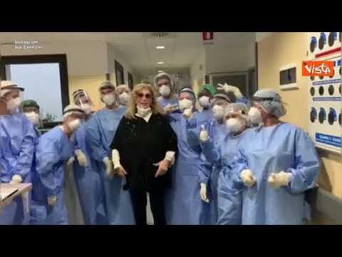 Iva Zanicchi guarita dal Covid, il video dall'ospedale per ringraziare medici e infermieri