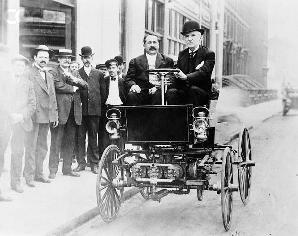 File:George B Selden driving automobile in 1905.jpg