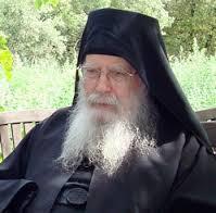 Archimandrite Placide (Deseille): Un chrétien doit avoir un regard chrétien sur son évêque, et non pas un regard profane!