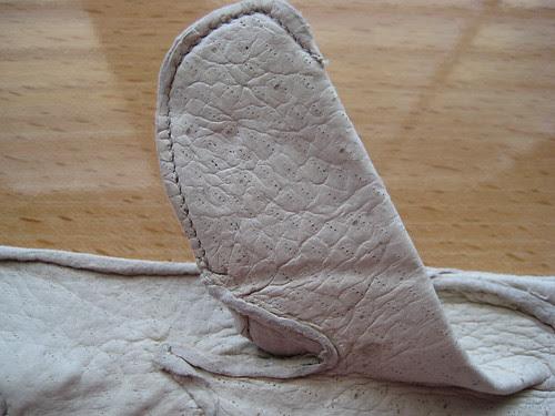 Madova ivory peccary gloves 03
