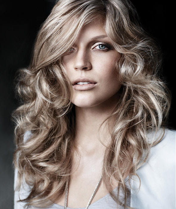 Long curly hair styles 2 21 Simplest Ideas for Long Hair
