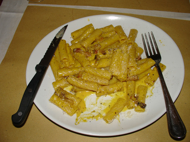 Rigatoni in Carbonara Sauce