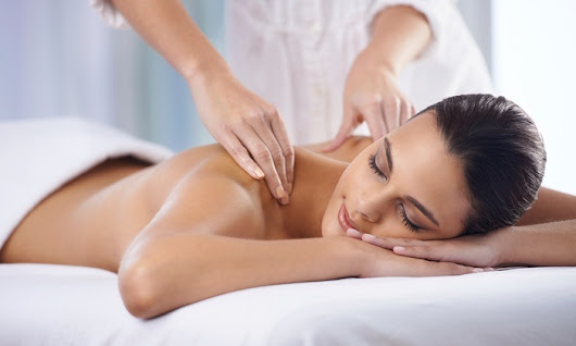 Ways To Choose The Effect Parlor For Body Massage In Delhi - Lliving With Healthy Hunger