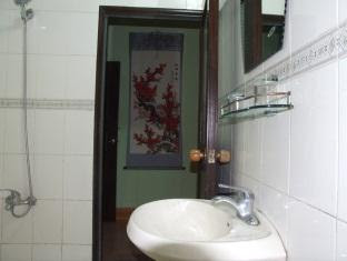 Price Yangshuo Moon Resort Hotel