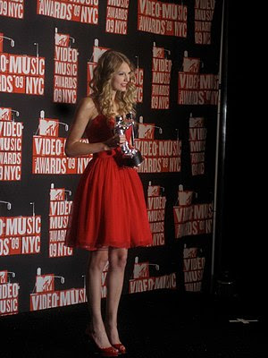 English: Taylor Swift at the 2009 MTV Video Mu...