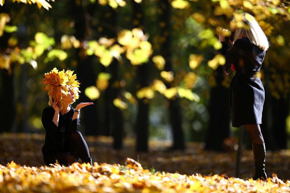 Осенний день в Центральном парке в Минске, Беларусь