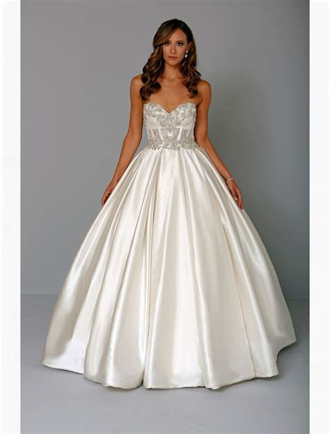Bridal Gowns: Pnina Tornai Princess/Ball Gown Wedding
