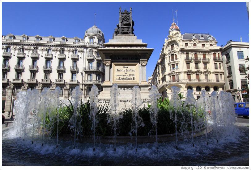 Plaza Isabel la Católica, city center.