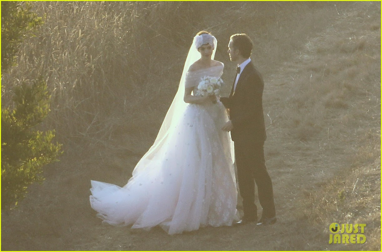 anne hathaway wedding pictures adam shulman 14