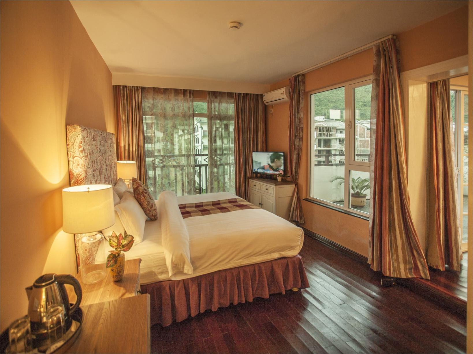 Reviews Michael's Inn & Suites Yangshuo