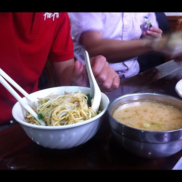 油麵+味噌湯,特別的組合
