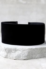 Far and Wide Black Velvet Choker Necklace